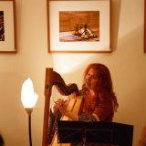 Bettina Schröter an der Böhmischen Harfe