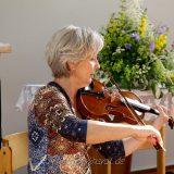 Heike Catalan beim Geigenspiel